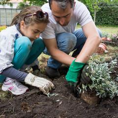 jardinage entre père et fille