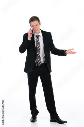 fröhlicher kaufmann telefoniert