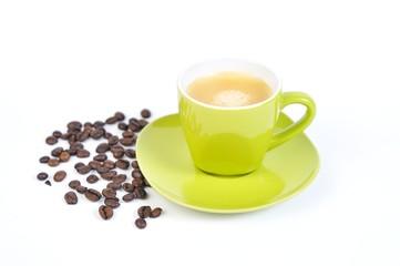 espressotasse grün mit kaffebohnen 2
