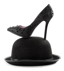Black high heels pump shoe with spikes on bowler hat