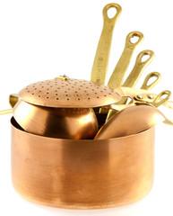 casseroles et ustensiles de cuisine en cuivre