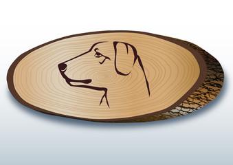 Elips şeklinde kesilmiş  ağaç üzerinde  av köpeği  başı