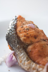 salmon grill with lemon sauce