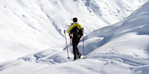 escursione con racchette da neve