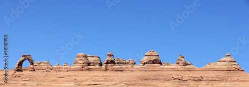 Panoramic view of Delicate Arch abd cliff