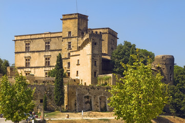 Lourmarin Castle ( chateau de lourmarin ), Provence, France