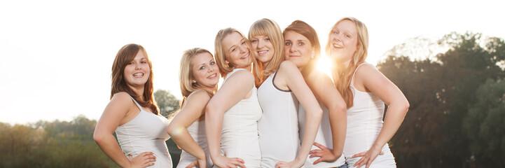Gruppenfoto von Freundinnen