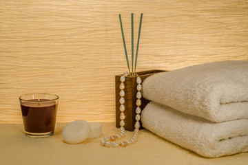 Wellness Arrangement mit Perlcollier
