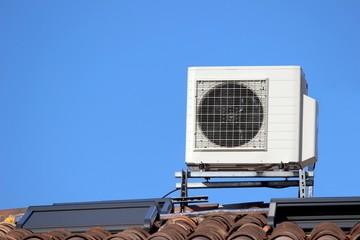 Module de climatiseur sur un toit