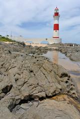Leuctturm und Küste bei Itapua