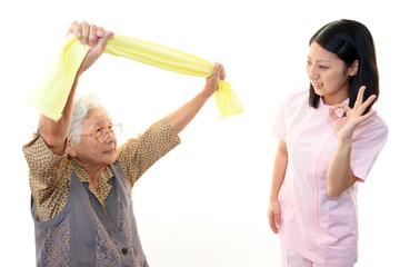 体操をする高齢者