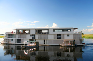 barca sul fiume zambezi