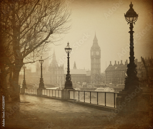 Wall mural Vintage Retro Picture of Big Ben / Houses of Parliament (London)