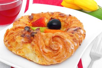 tea and pastry - Tee und Plunderstück