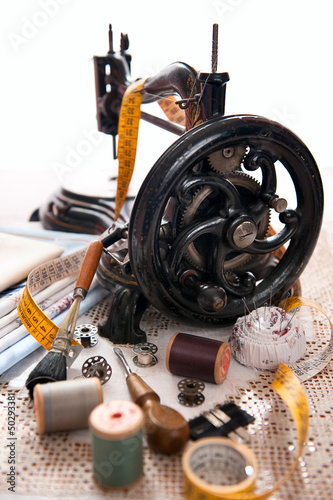 Antique sewing machine and sewing kit