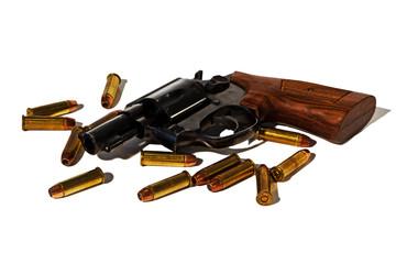 Revolver mit Munition, freigestellt