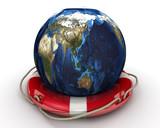 Земной шар в спасательном кругу