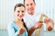 Beratung - Patientin bei der Physiotherapie