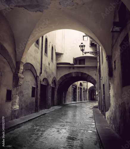 waska-ulica-we-florencji