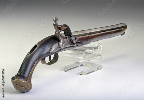French flintlock pistol made around 1800.