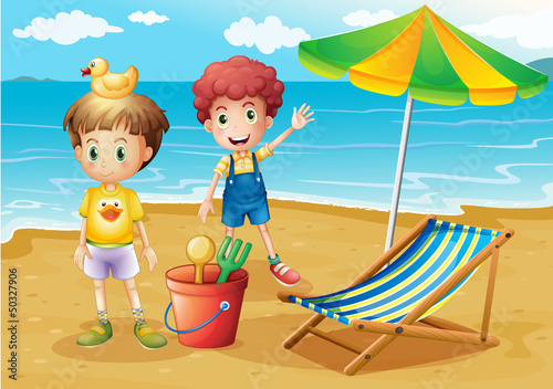 Tuinposter Rivier, meer Kids at the beach with an umbrella and a foldable bed