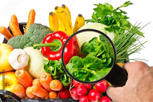 Lebensmittelkontrolle bei Obst und Gemüse - 50333121