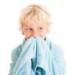 Портрет кудрявого мальчика-блондина с полотенцем