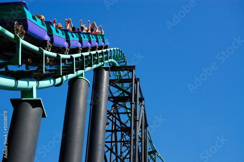 Papiers peints Attraction parc Roller Coaster Hill Incline