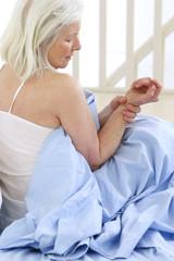 Femme - Douleurs au poignet