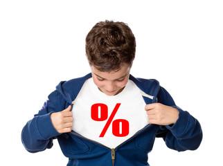 Junge / Kind zieht Jacke auseinander, Prozente, Angebot, Sale