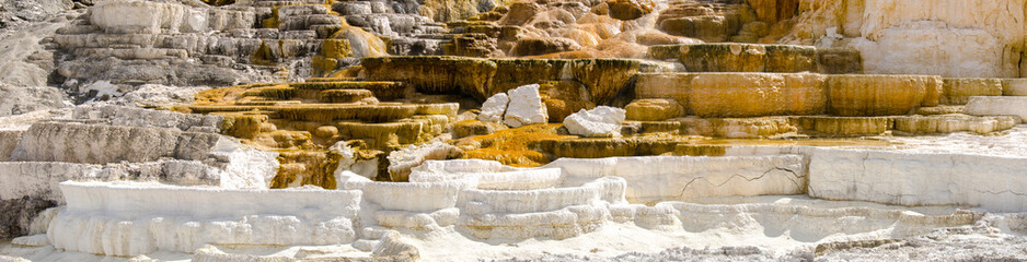 panoramica a Mammoth Hot Springs nello Yellowstone