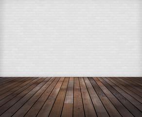 Raum: Weisse Ziegelwand mit Holzfussboden