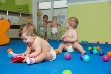 happy baby group