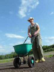 Gardener and seeder