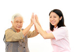 Fototapety 笑顔の看護師と高齢者