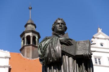 Luther Denkmal vor dem Rathaus Wittenberg