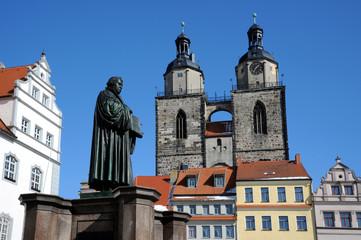 Luther vor der Stadtkirche Wittenberg