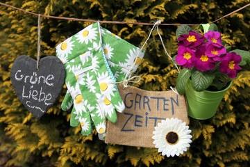 Decoherz, Gartenhandschuhe, Blume auf Leine