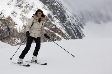 Donna che scia