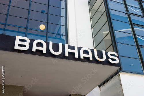 Leinwanddruck Bild Bauhaus Dessau writing