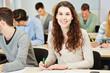 Frau bei Einstellungstest im Assessment Center