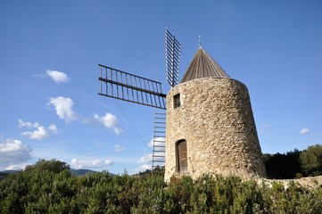 moulin st roch