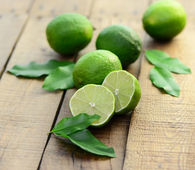 Blätter, Limone