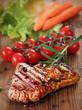 gegrilltes Rindersteak mit Gemüse