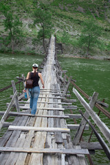 Long suspension foot bridge