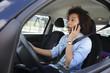 Téléphone au volant-Voiture-Femme-Circulation-Infraction