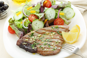 grilled tuna steak with garlic