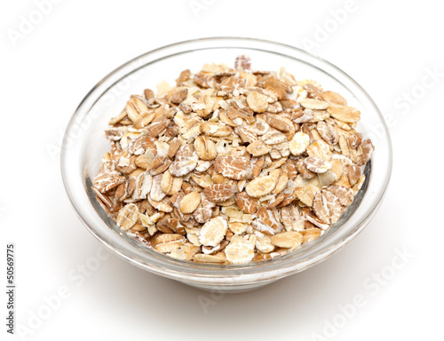 oat flakes in a glass bowl