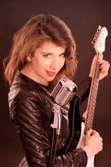 E-Gitarristin