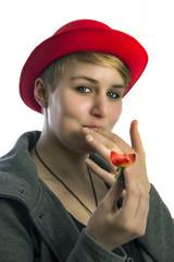 Genuss einer Erdbeere